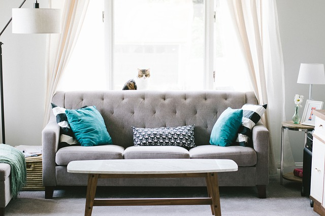 sala de estar com sofa